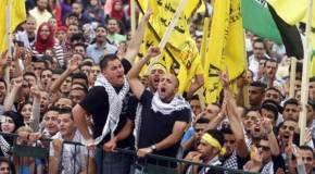 Palestinian student supporters of Fatah. (Issam Rimawi/Flash90)