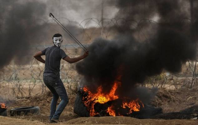 Palestinian rioter on the Gaza border