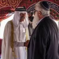 Sheikh Jabari at a previous meeting with Jewish leaders. (illustrative) (Flash90/Noam Moskowitz)