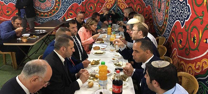Sheikh Ashraf Al Jabari meal with Hebron Jews